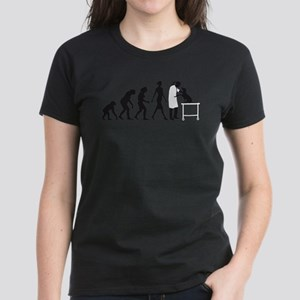 evolution of man female veterinarian T-Shirt